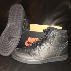 Men's 9.5 OG Retro High Tops